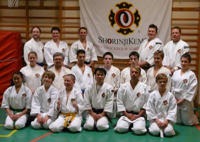 Gruppbild på alla som deltog på träningen när Nakashima-sensei kom på besök.