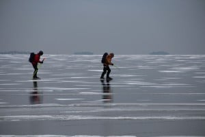 People skating on Lake Vnern