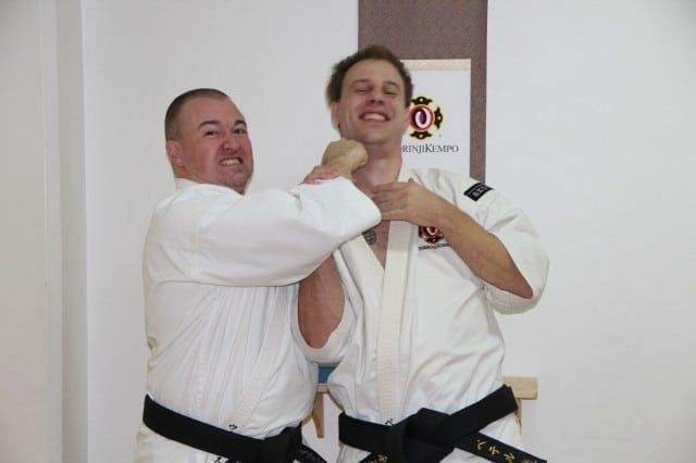 Steve-sensei shows how much he appreciates that Peter from Skövde travelled to Karlstad in order to train with him